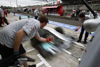F1 'distrust' threatens cost-curbing agreement