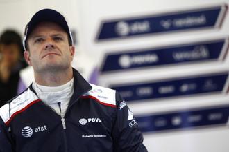 Barrichello and Sutil still in dark over 2012 seats
