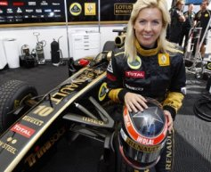 Female de Villota eyes F1 deal for Christmas