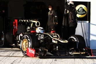 Raikkonen needs top eight car to stay with Lotus in 2013