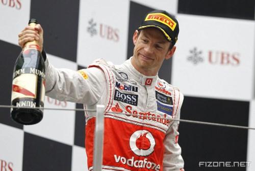 Fittipaldi: Button 'big favourite' for title