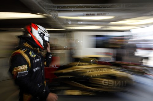 Villeneuve thinks Lotus might 'drop' Raikkonen