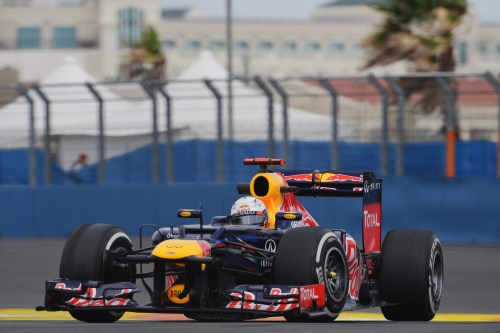 Vettel asserts his authority in second practice