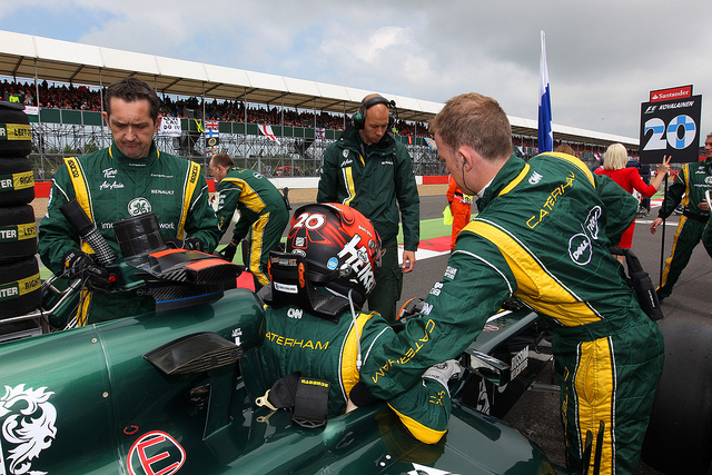 Kovalainen returns to Caterham as reserve driver