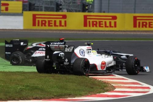 Double penalty for Maldonado after Pérez crash