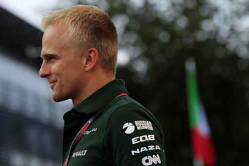Kovalainen, not Petrov, in running for Razia's seat