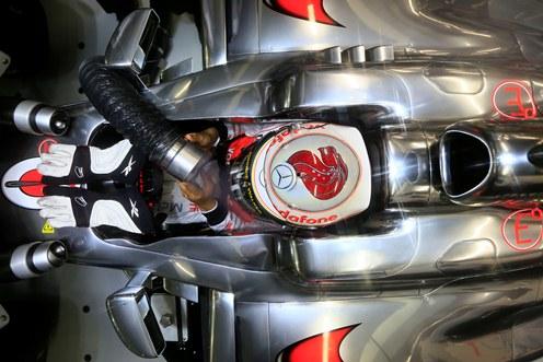 Lauda says Hamilton staying at McLaren