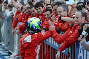 Berger urges Ferrari to dump Massa