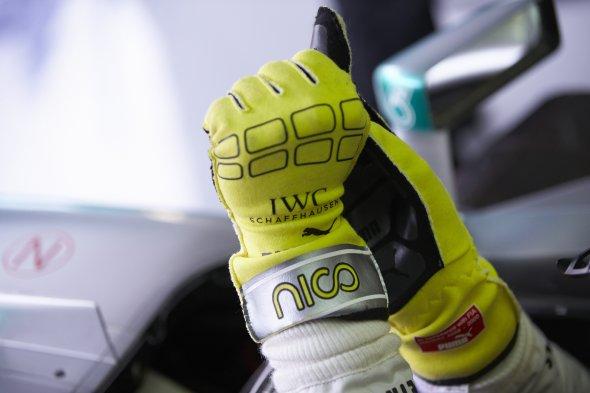 Rosberg gloves7