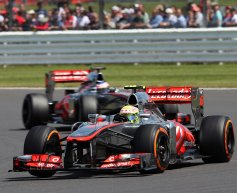 McLaren still weighing up 2014 options