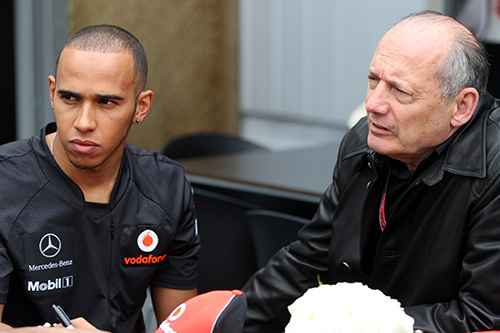 Hamilton se conduele de la situación en McLaren