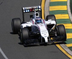 Bottas 'mad' after clipping wall
