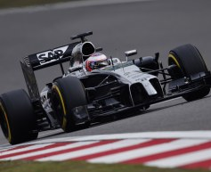 Button pleased, Magnussen at a loss