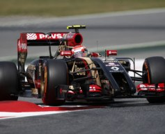 Maldonado tops morning session in Spain