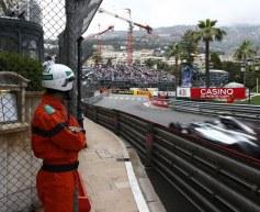 Rosberg reckons Mercedes's rivals closer than in Spain