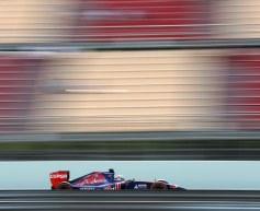 Exhaust problem truncates Vergne's race