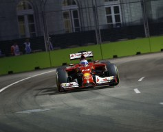 Alonso tops final Singapore session