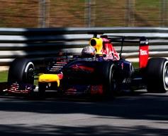 Renault anticipating closer Singapore fight