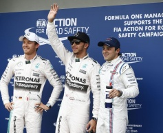 Hamilton romps to pole in Australia