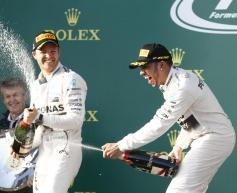 Hamilton eases to Australia victory
