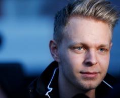 Magnussen admits McLaren expectations are low