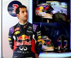Ricciardo hoping to save engine