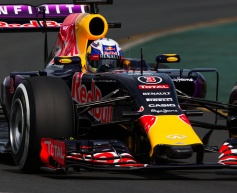 Ricciardo admits Red Bull on back foot