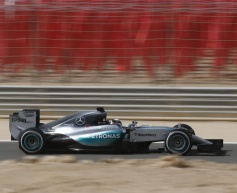 Hamilton moves ahead in third practice