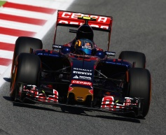 Sainz pleased with 'positive start'