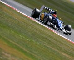 Sauber retains Ericsson and Nasr for 2016