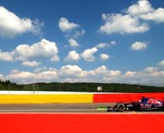 Verstappen to receive engine grid drop