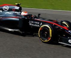 Button in 'good talks' with McLaren