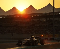 Grosjean finishes Lotus career with points
