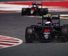 McLaren aims for double points finish