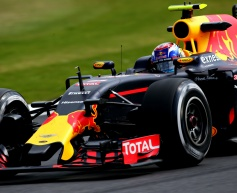 Verstappen eyes podium after edging Ricciardo