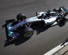 Hamilton heads Rosberg in FP2 at Monza