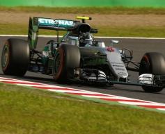 Rosberg pips Hamilton to Suzuka pole
