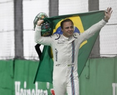 Massa says tearful farewell to home fans