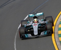 Hamilton takes the first pole of the season