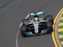 Hamilton takes the first pole of the season