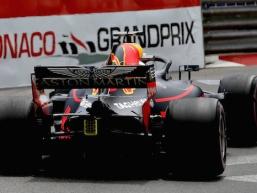 Ricciardo fastest in opening practice sessions
