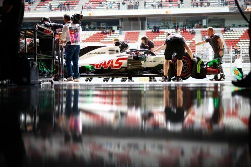 Barcelona garage scene-120