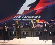 Alonso jokes as Webber wins FIA prize