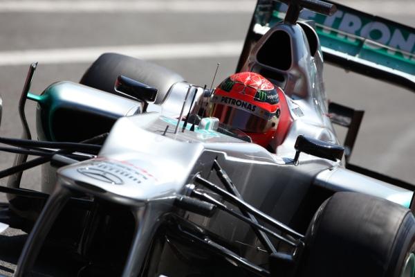 Schumacher continues criticising Pirelli