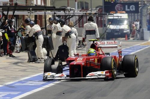Massa insists 'no reason' to leave Ferrari