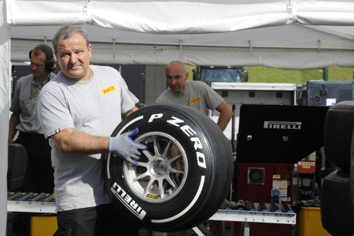 Pirelli says tyre war not good for F1
