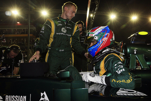 Petrov's manager withdraws from 2013 F1 talks
