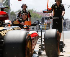 Tyre change 'like widening football goals' says Boullier