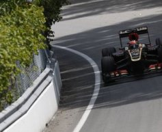 Lotus clinging on in world title fight