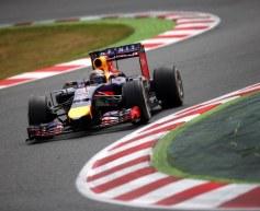 Vettel sustains gearbox penalty